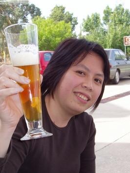 Видео девушка влагалище пиво сиськи фото онлайн