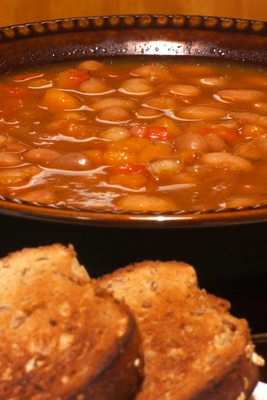 Bulgarian bean broth with bread