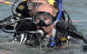 В.В Путин с аквалангом (Фото с сайта europe-today.ru)