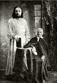 Блаженная Евфросиния с книгоиздателем И. М. Суриковым (Фото с сайта inokini.ru)
