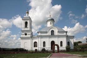 Храм в Ильинском Фото с сайта sobory.ru