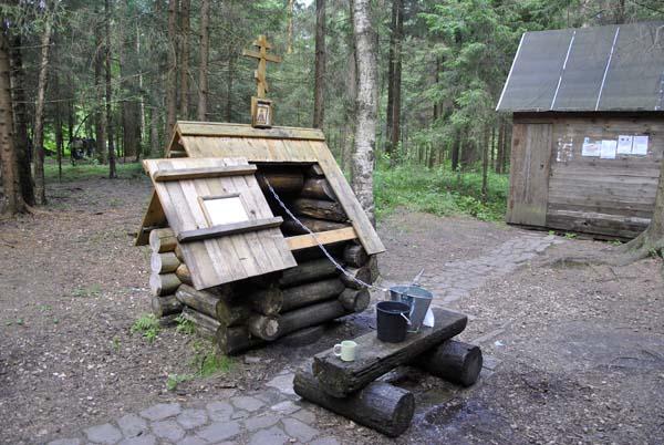 колодец Савватия Тверского и Оршинского Фото с сайта put-nick.ru