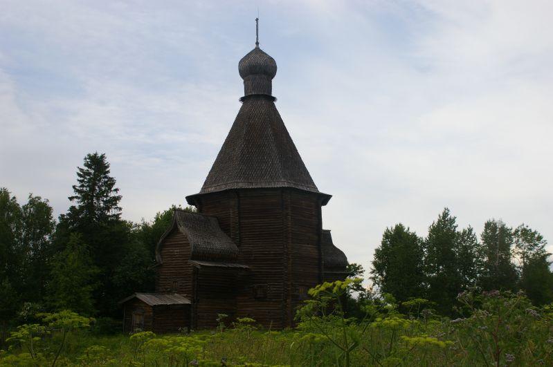 Никольская церковь. Деревня Новинки Фото с сайта infoflotforum.ru