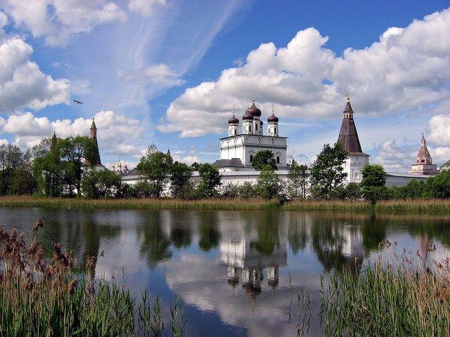 Иосифо-Волоцкий монастырь Фото с сайта korostelev.webstolica.ru