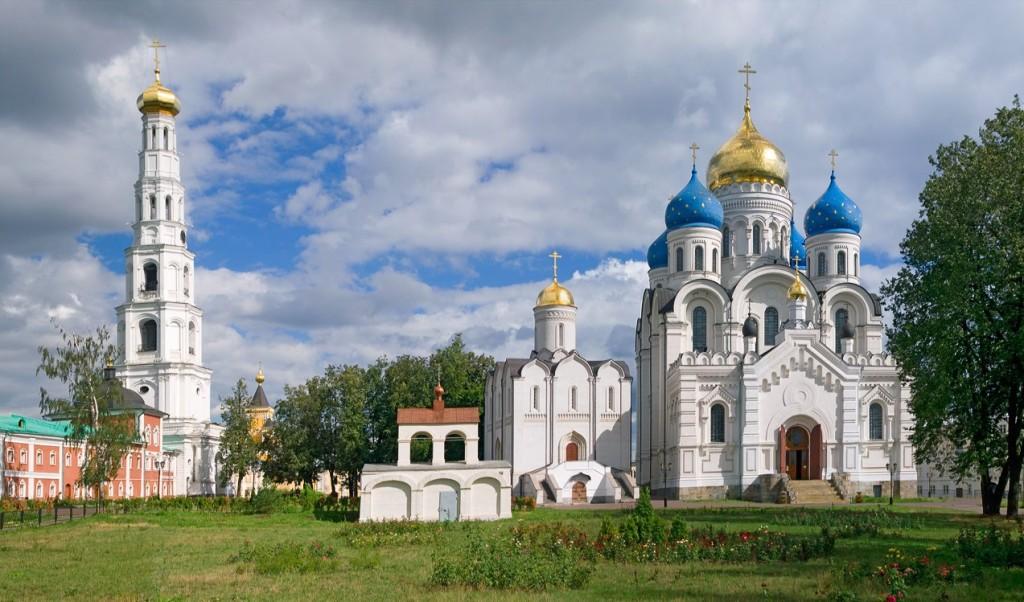 Николо-Угрешский монастырь Фото с сайта photosight.ru