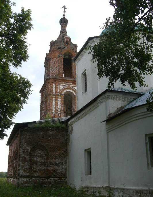 Храм рядом с источником Фото с сайта rghram.ru