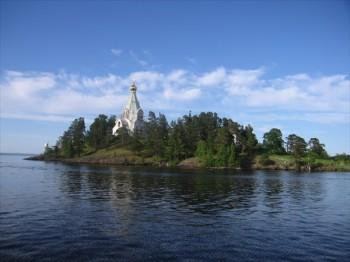 Остров Коневец Фото с сайта marshruty.ru