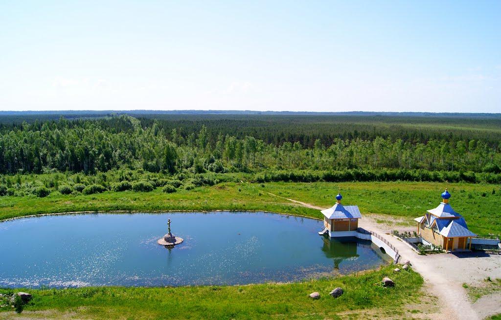 Святое озеро рядом с Крыпецким монастырём Фото с сайта panoramio.com