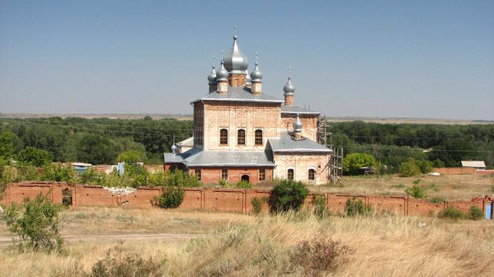 Вид на монастырь Фото с сайта realbiker.ru