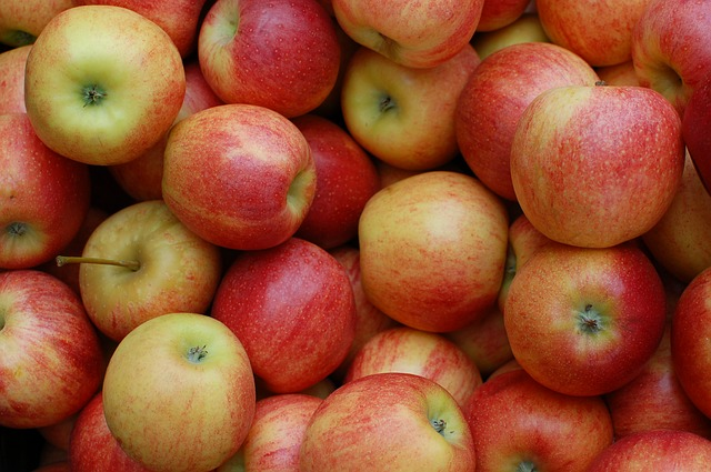 apples-379870_640