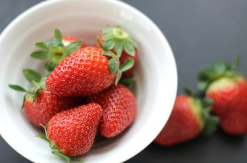 strawberries-254336_640