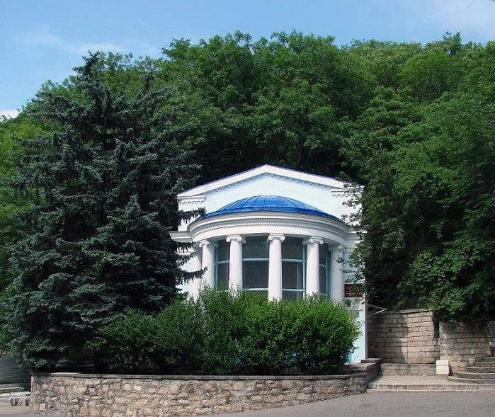 Лермонтовский источник Фото с сайта wikimapia.org