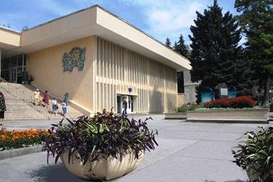 Питьевая галерея. Пятигорск Фото с сайта stavtourism.ru