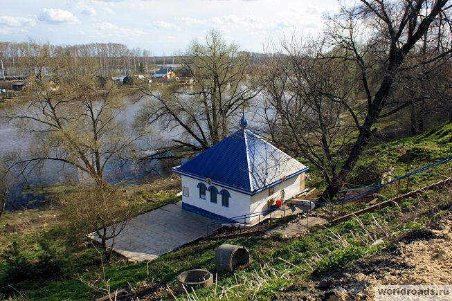 Боголюбский источник Фото с сайта worldroads.ru