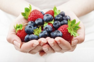 handful-of-fruits-iStock_000019518355Large-700x463
