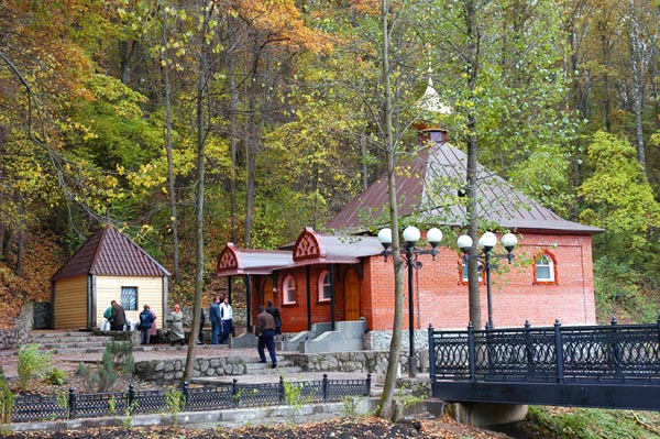 Источник Тихона Задонского в селе Тюнино Фото с сайта magput.ru
