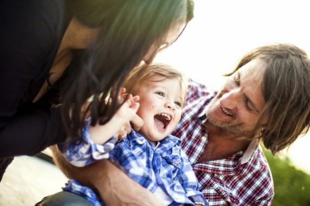 istock-happy-family-700x466