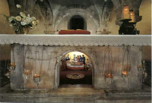 Гробница Св. Николая в Бари Фото с сайта italy4.me