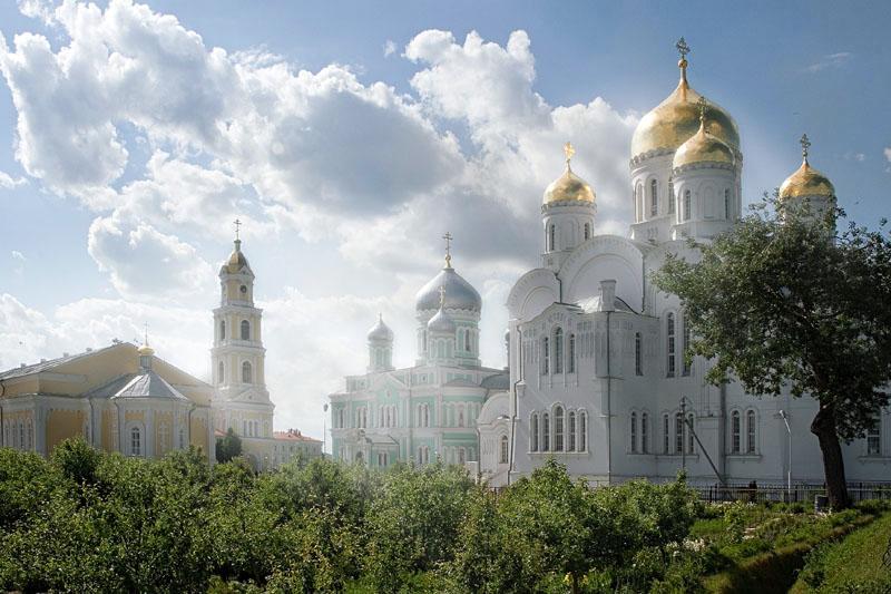 Дивеевский монастырь Фото с сайта diveevo-tur.ru