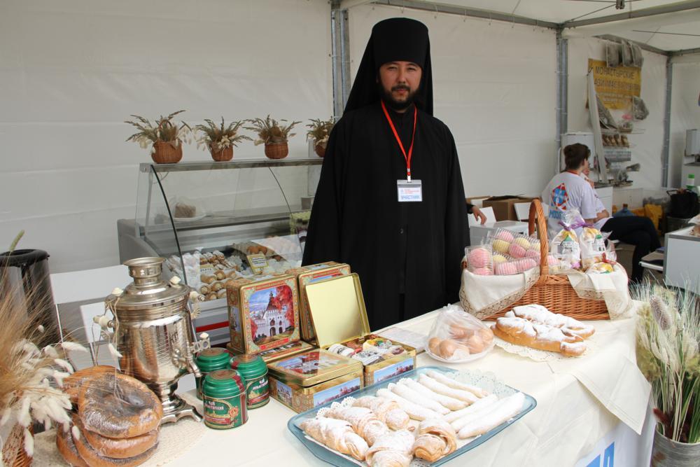1391373322_festival-monastyrskih-produktov-6_1000x667