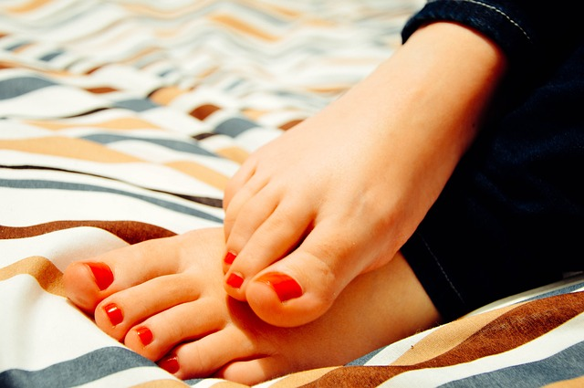 feet-931921_640