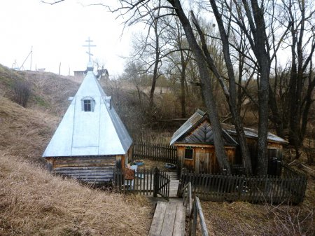 1392396941_rodnik-znamenskiy-svyatoy-istochnik-bozhiey-materi-ikony-eya-znamenie-selo-lyahovka