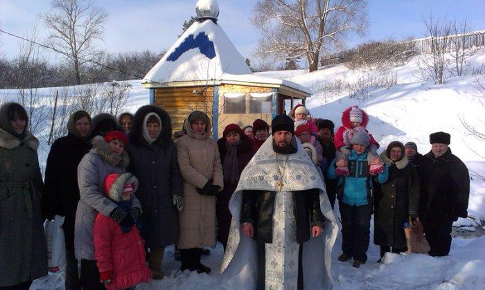 1492107630_osvyaschenie-rodnik-svyatoy-istochnik-pokrova-bozhiey-materi-selo-karmaly-yantikovskiy-rayon-chuvashskaya-respublika