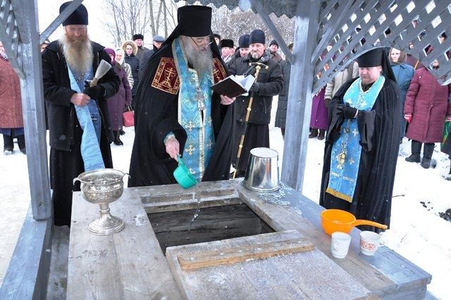 1492172859_rodnik-svyatoy-istochnik-vladimirskoy-ikony-bozhiey-materi-selo-maloe-churashevo-yadrinskiy-rayon-chuvashskaya-respublika