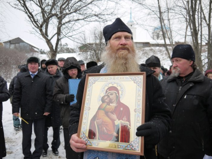 1492172986_hram-rodnik-svyatoy-istochnik-vladimirskoy-ikony-bozhiey-materi-selo-maloe-churashevo-yadrinskiy-rayon-chuvashskaya-respublika
